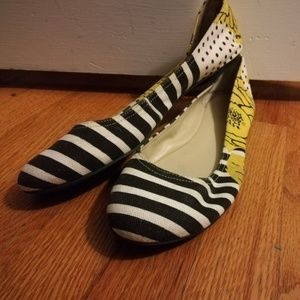Nine West flats size 10 stripes and flowers